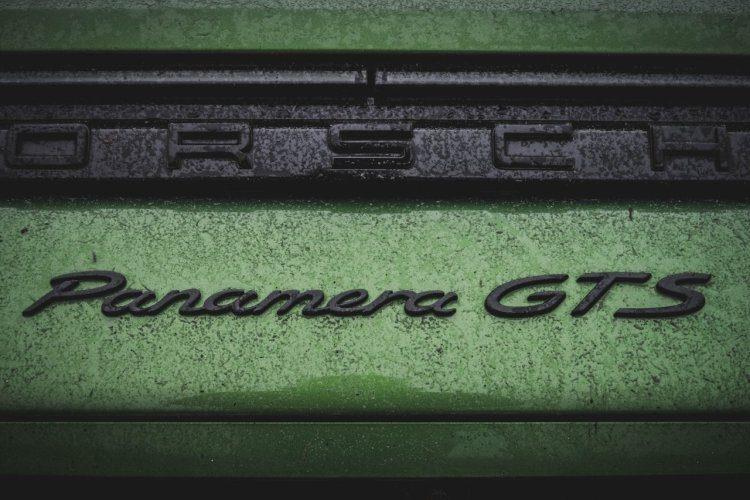 Porsche Panamera GTS mambagroen