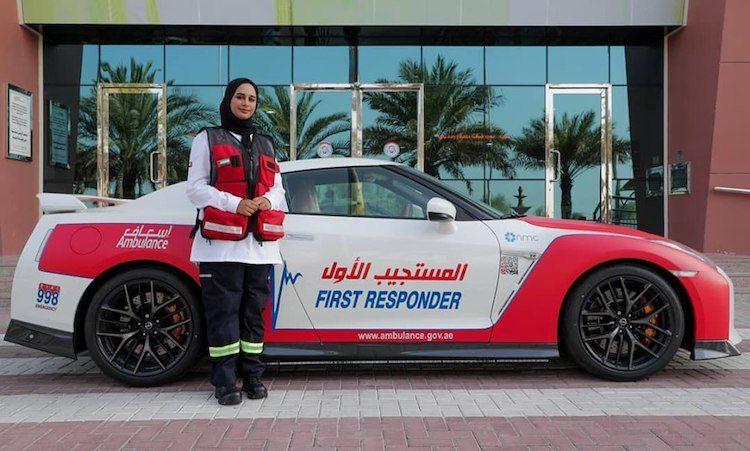 Twee nieuwe sportwagens voor de ambu-vloot van Dubai