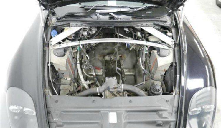 Aston Martin DB9 '04