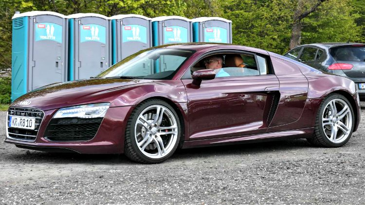 Audi R8 V10 quattro Shiraz Red