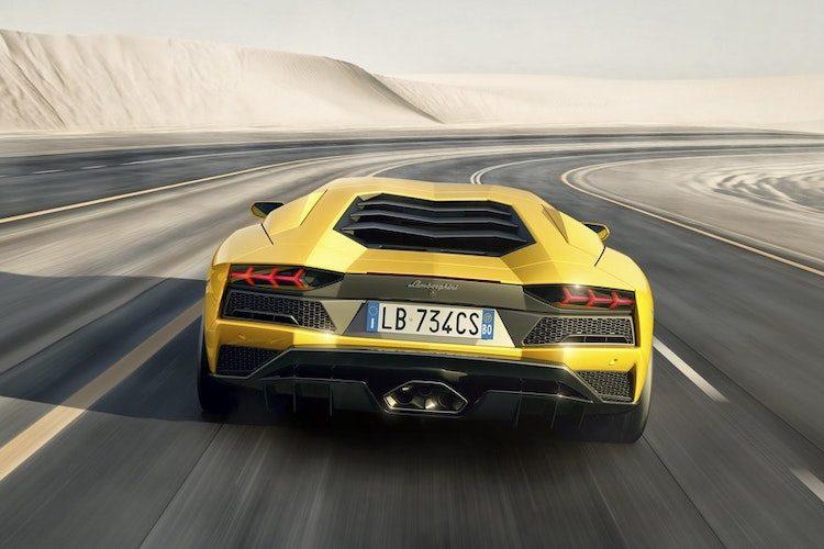 'Opvolger Lamborghini Aventador loopt vertraging op