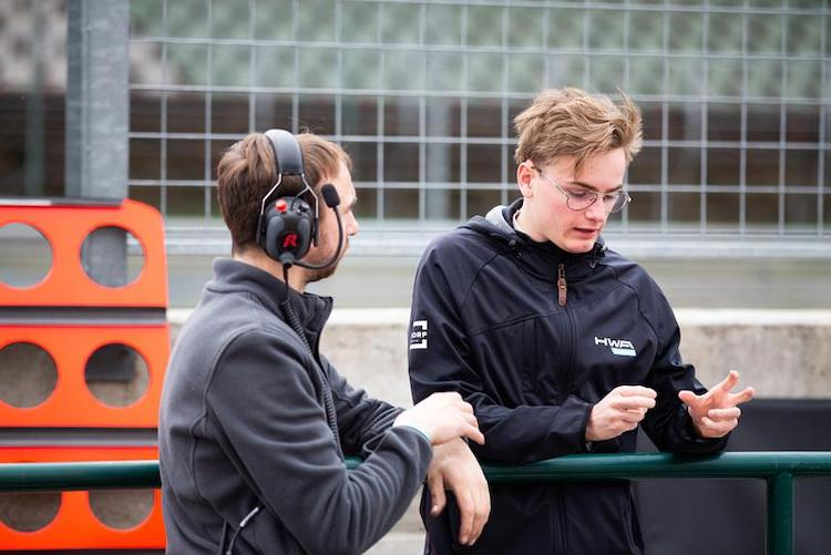 F3-team ontvangt diskwalificaties na vreemd föhn-incident