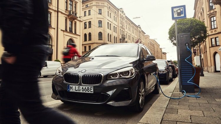 BMW 225xe Active Tourer (F45) '19