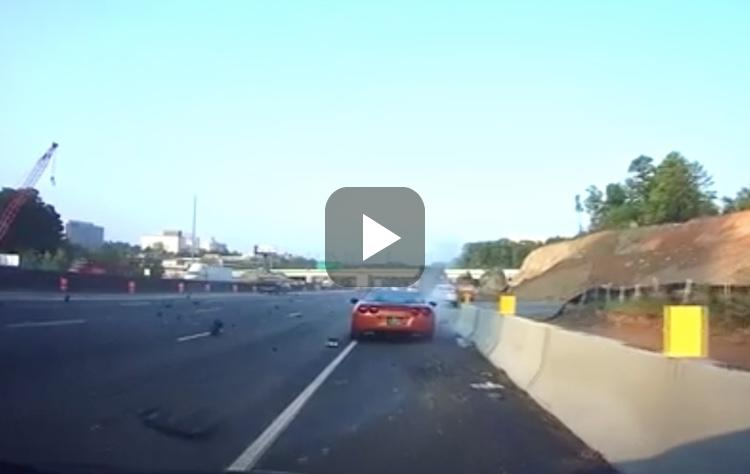 Video: bestuurder verliest controle over Corvette