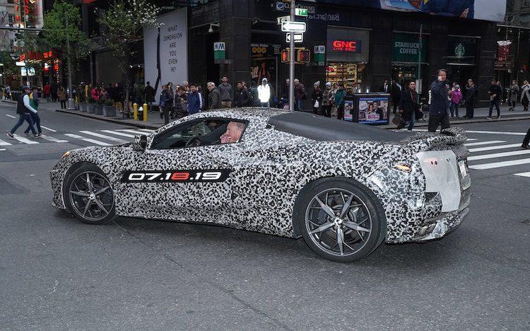 Corvette-fanaat betaalt vermogen om onthulling bij te wonen
