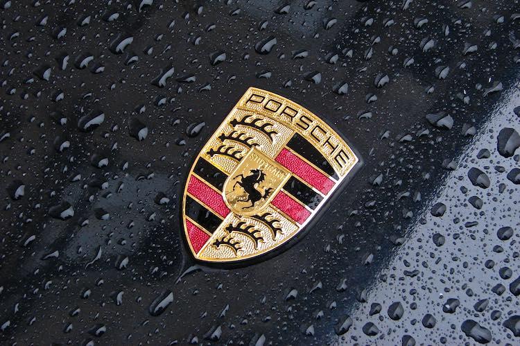 RDW begaat pijnlijke fout met Porsche Cayenne-registratie
