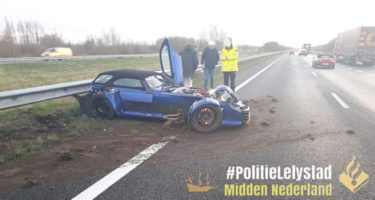 Donkervoort D8 GTO in kreukels na crash op A6