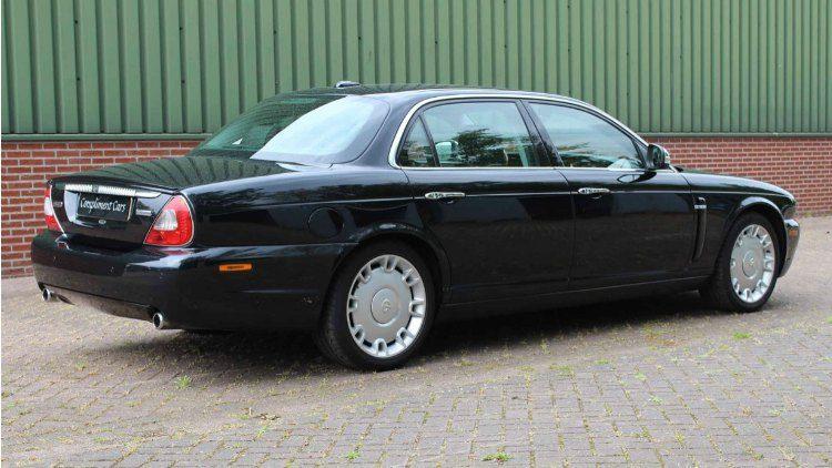 Daimler Super Eight (X358)