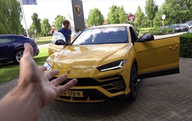 YouTuber Enzo Knol koopt een Lamborghini Urus