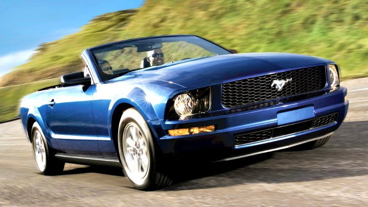 Ford Mustang Convertible '07