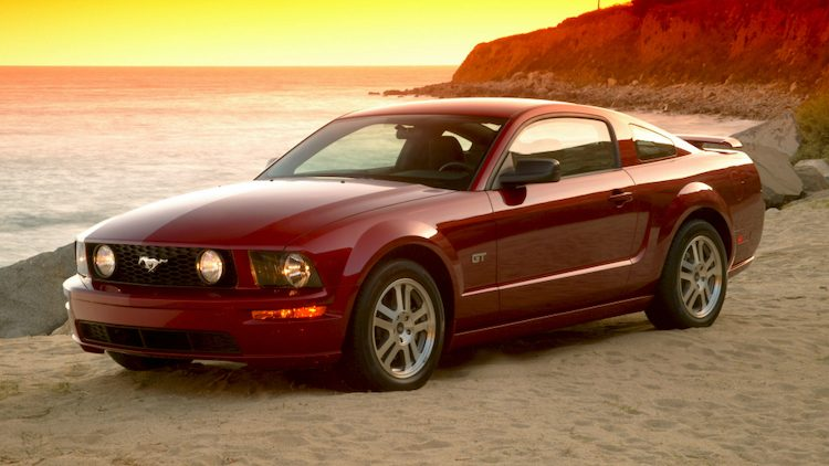 Ford Mustang GT Coupé '05