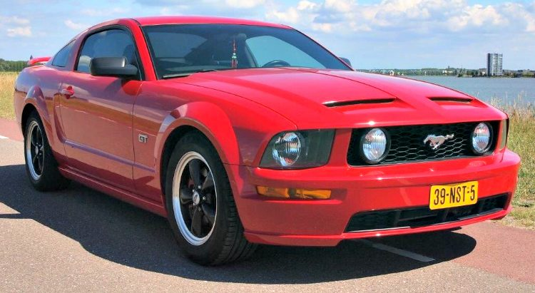 Ford Mustang GT '06