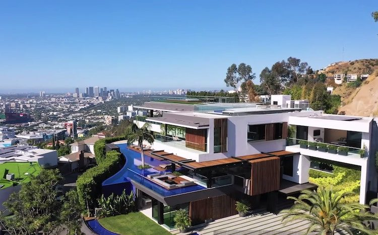 Villa in Hollywood Hills ($43,9 miljoen) zit vol met supercars