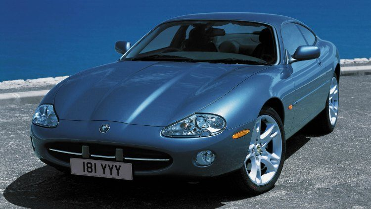 Jaguar XK8 Coupé (X100) '02