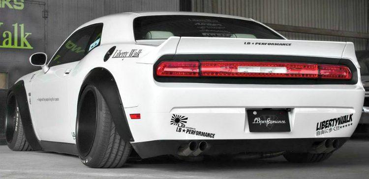LB Walk Performance Dodge Challenger '19