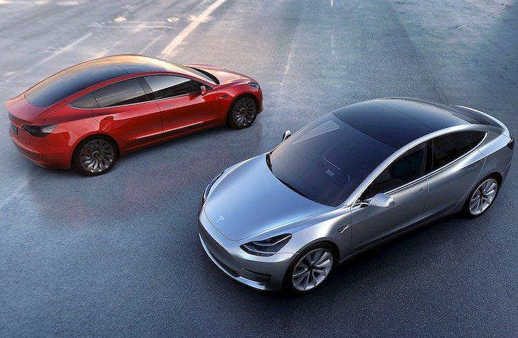 Tesla noteert honderden miljoenen verlies