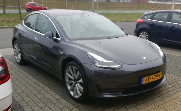 Domper voor Tesla: aanzienlijk minder auto's geleverd