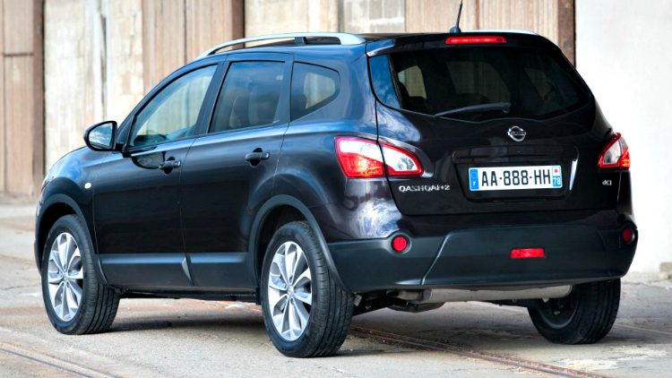 Nissan Qashqai+2 Connect Edition (J11) '14
