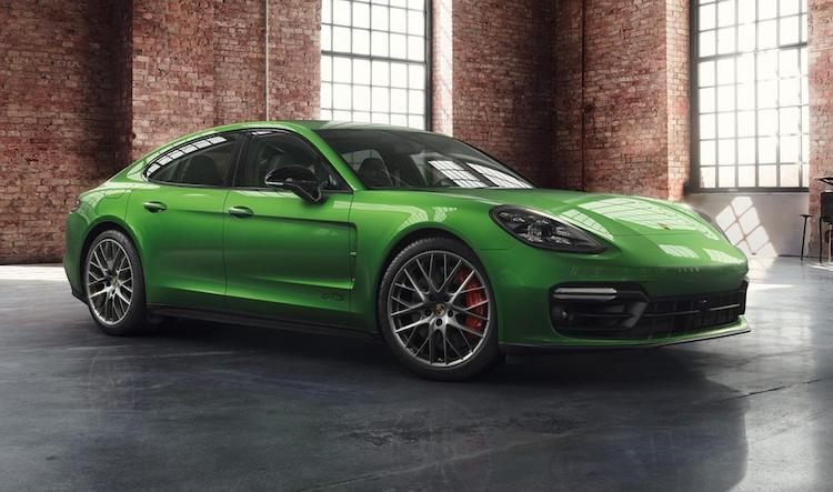 Porsche Exclusive hult de Panamera GTS in Mamba Green