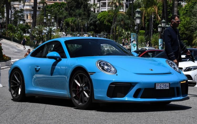 Porsche GT3 Touring Package