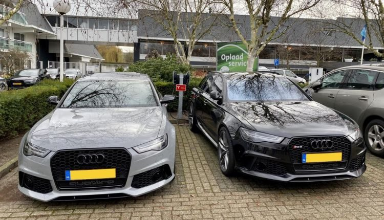 RS6 aan de lader