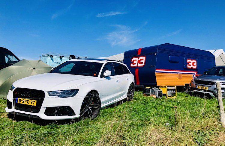 Campers en caravans in trek onder Nederlanders
