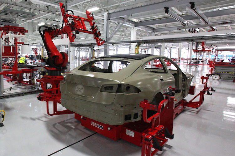 Leverancier van Tesla koopt