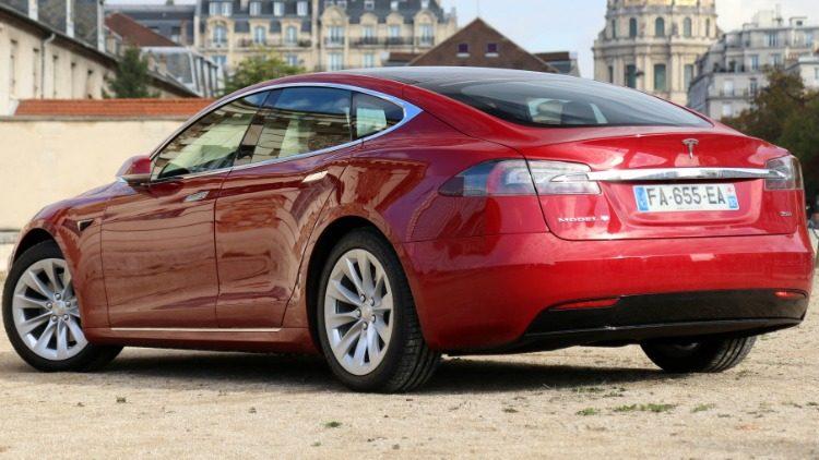 Tesla Model S '19