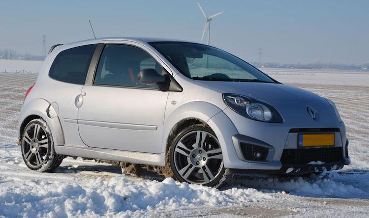 Renault-rijders kunnen massaal niet op weg door winterweer