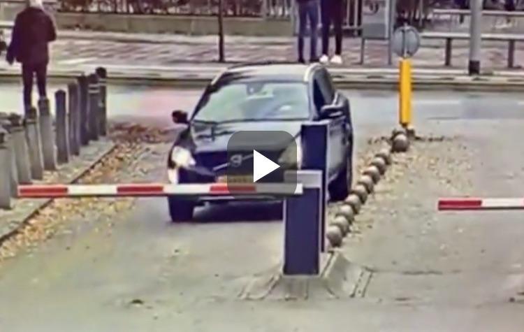 Video: wat was deze Volvo-bestuurder denkende?